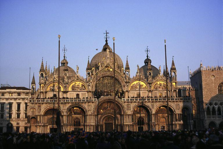 意大利奢侈品牌BV将出资帮助威尼斯圣马可大教堂修