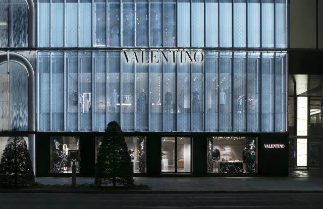 疫情之下 Loewe、Valentino宣布关闭